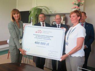 Szpital Wojewódzki w Piotrkowie będzie miał trzy nowe karetki