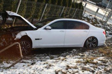 Zderzenie 2 aut w Piotrkowie. 5 osób w szpitalu