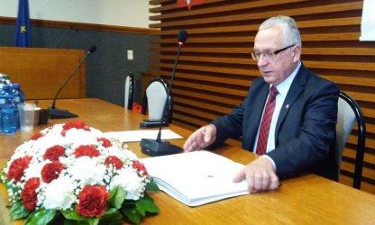 Nowy-stary przewodniczący piotrkowskiej Rady Miasta. Zobacz zdjęcia z pierwszej sesji!