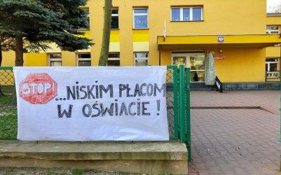 Pierwsze placówki w regionie przerywają strajk