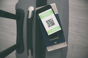 Ministerstwo Zdrowia: na poziomie europejskim trwają analizy, czy paszporty