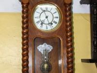 Stary ulubiony niemiecki zegar.