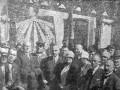 Władze Piotrkowa i przedstawiciele województwa łódzkiego podczas uroczystości na dworcu w dniu 27 czerwca 1927 roku. Foto: Głos Trybunalski 146/1927