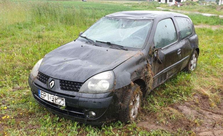 Gmina Rozprza: Clio wypadło z drogi