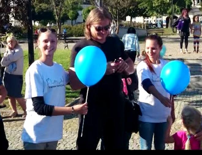Dyrektor fotografuje baloniki