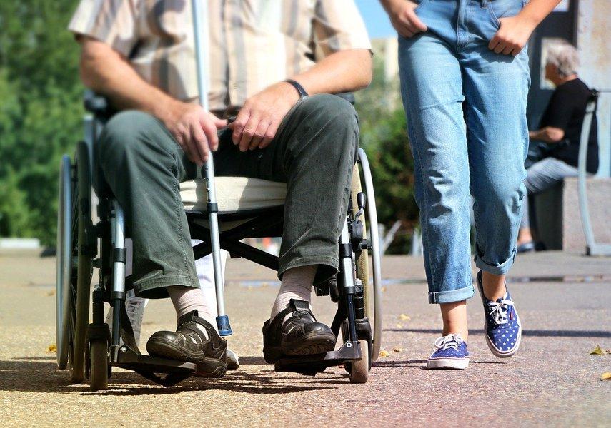 Asystent pomoże niepełnosprawnym