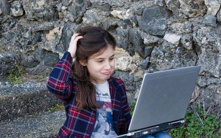 Piotrkowscy uczniowie dostaną 53 laptopy
