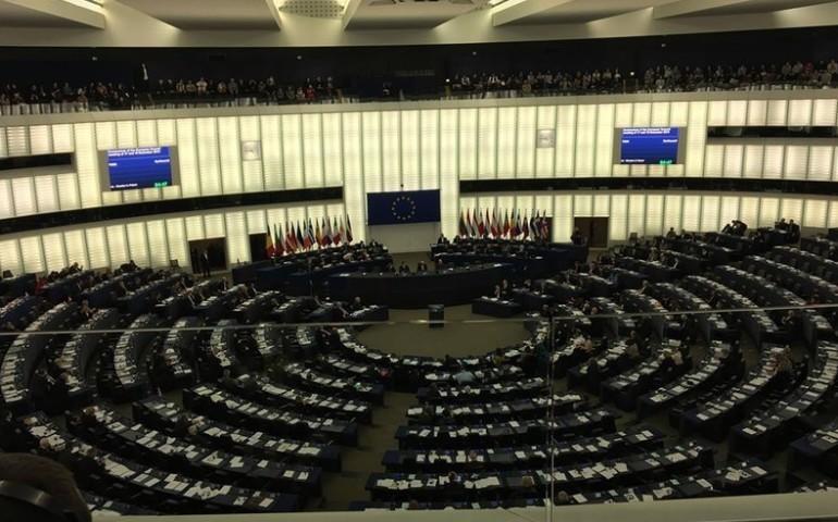 Debata o Europie w PE. Łódzki Europoseł traci komisje