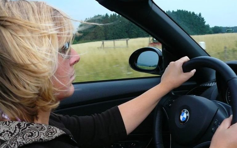 Kobiety mają większe predyspozycje, by być lepszymi kierowcami