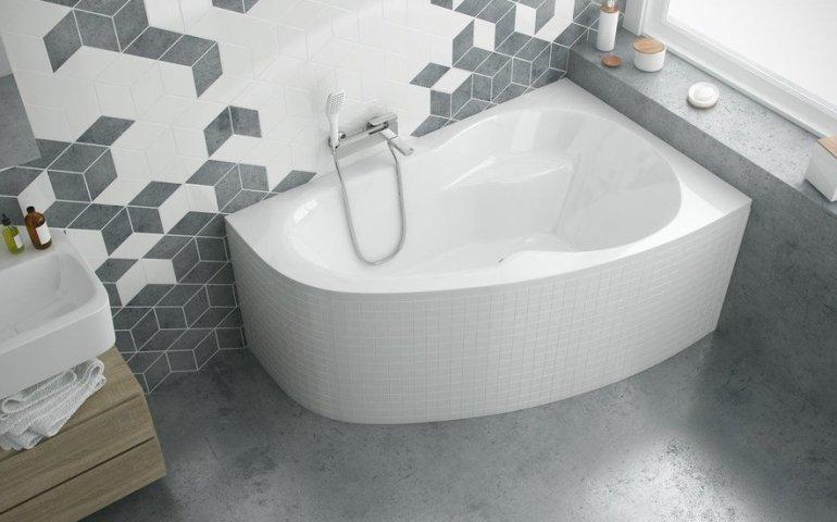 Wanny narożne w małej łazience