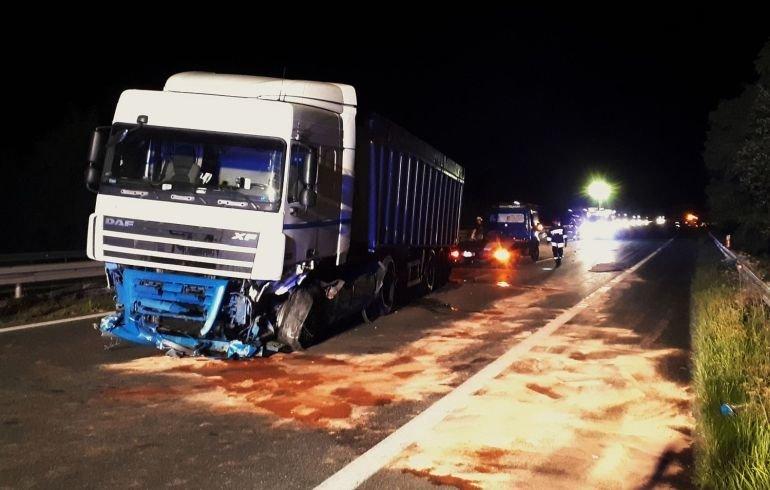 Ciężarówka zablokowała jezdnię na DK1