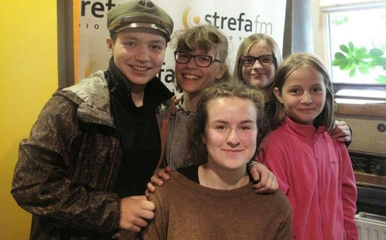 Harcerze z Warszawy z niespodziewaną wizytą w radiu