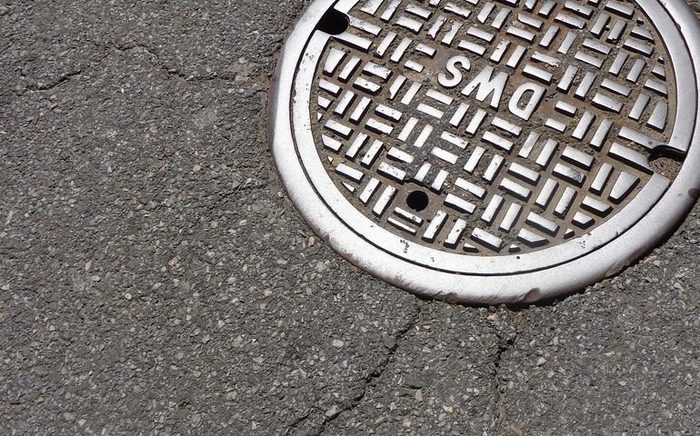 Tony toksycznych odpadów w miejskiej kanalizacji