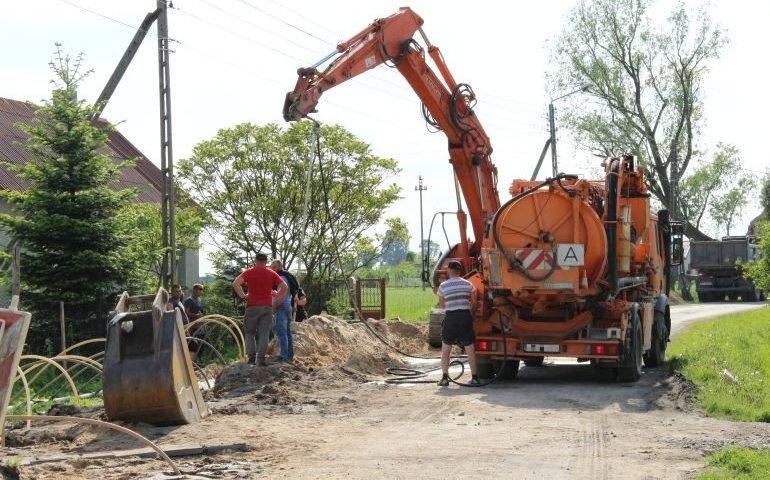 Gmina Wola Krzysztoporska: Czas skorzystać z sieci kanalizacyjnej!