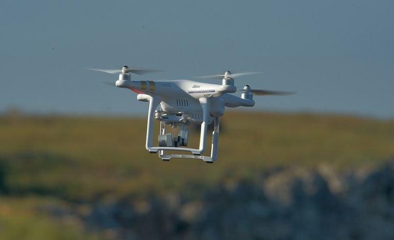 Latał dronem nad kopalnią. Odpowie za przestępstwo