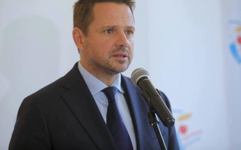 Trzaskowski: w ramach protestu samorządów wyłączymy symbolicznie iluminację kilku miejsc