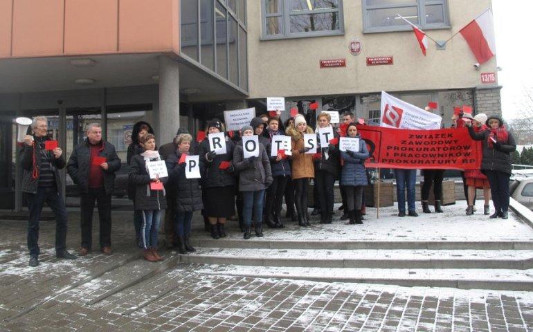 Protest w prokuraturach okręgu piotrkowskiego