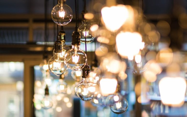 Jak wybrać oświetlenie do mieszkania?