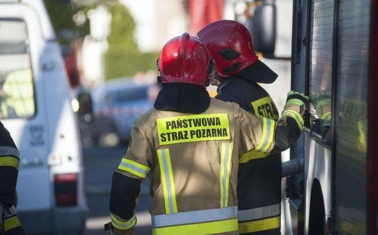 Deszcz i silny wiatr przysporzyły pracy strażakom