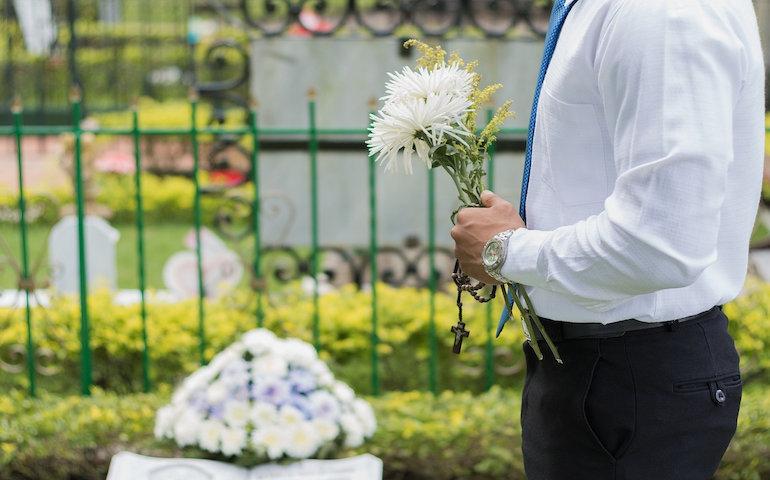 Zasiłek pogrzebowy jest niewystarczający?