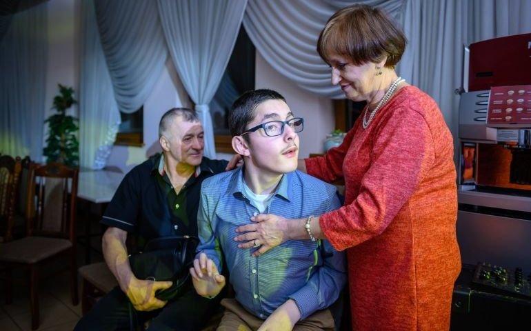 Rodzina zbiera pieniądze na leczenie stomatologiczne dla Patryka. Kto może, niech pomaga!