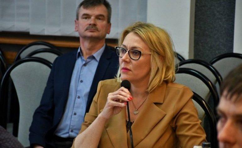 Ulgi dla przedsiębiorców, pomoc dla seniorów. Radna Piotrkowa apeluje
