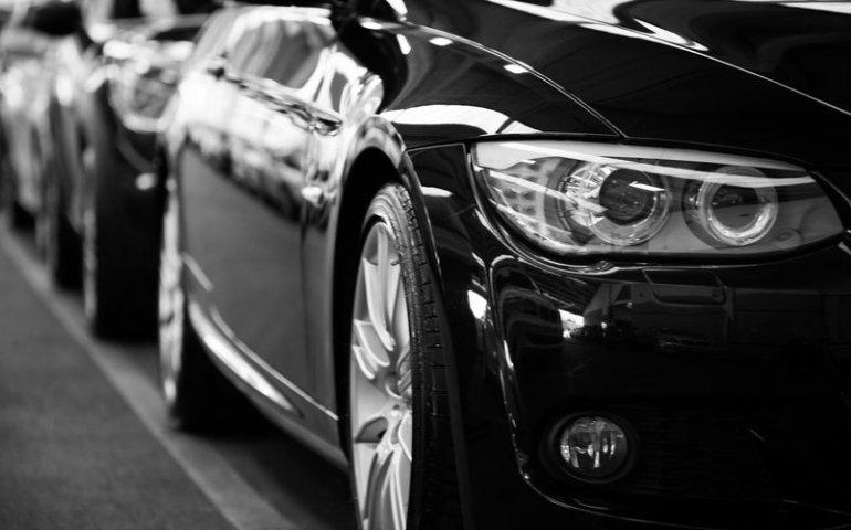 Wypożycz samochód w Warszawie na czas pobytu w kraju