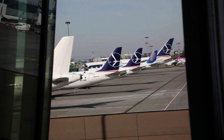 Od środy obowiązuje zakaz połączeń lotniczych do 44 krajów, m.in. do Hiszpanii