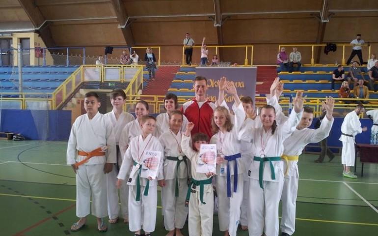 Karatecy z kolejnymi medalami