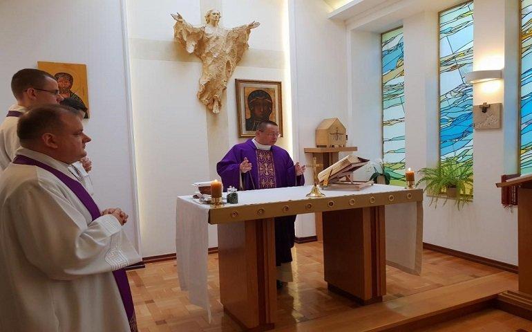 Abp Grzegorz Ryś zaprosił na mszę on-line i przypomniał o dyspensie