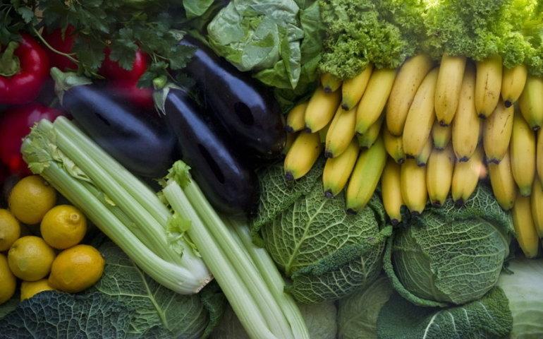 UOKiK: kraj pochodzenia błędnie oznaczony w 10 proc. warzyw i owoców w sklepach