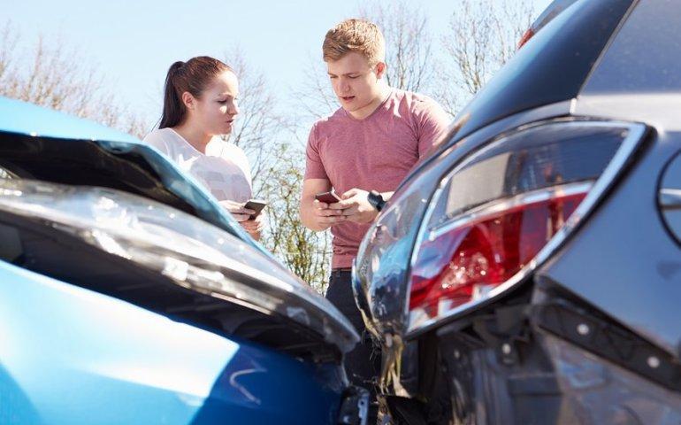 Miałeś wypadek? Zostałeś bez samochodu? Czy wiesz, że masz prawo otrzymać samochód zastępczy z OC sprawcy wypadku? Koniecznie mu