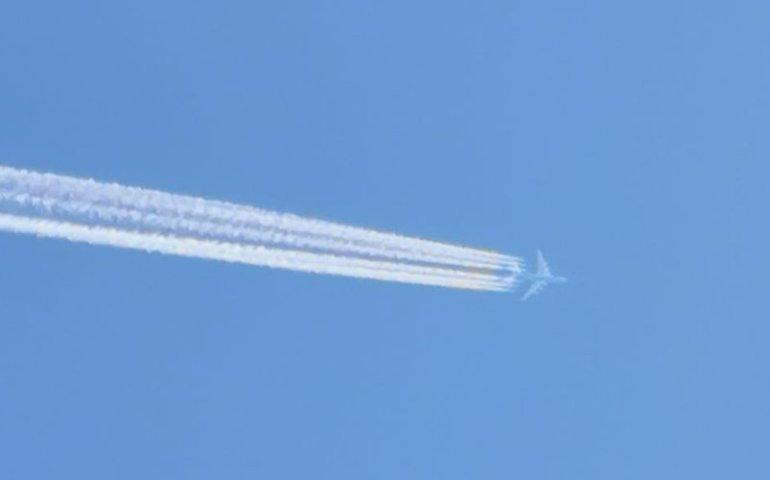 Największy samolot świata przeleciał nad Piotrkowem
