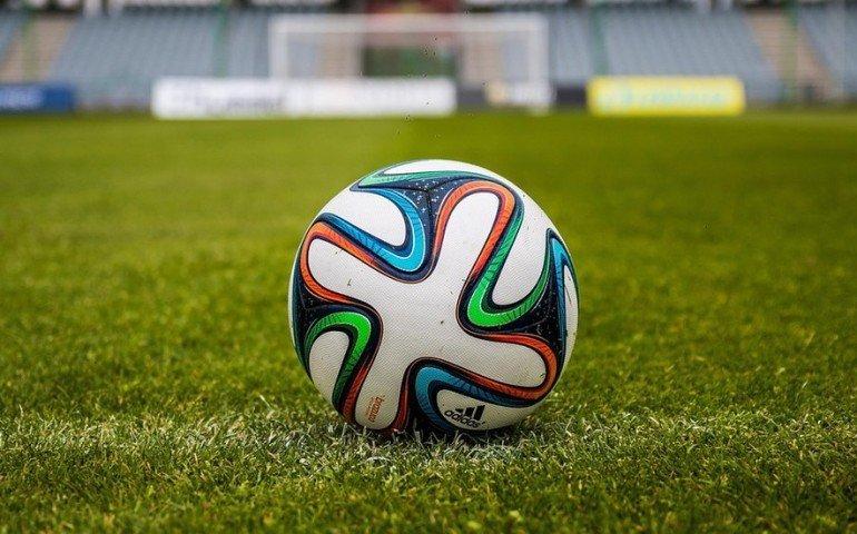 Piłkarze IV ligi i niższych klas już nie wrócą na boisko