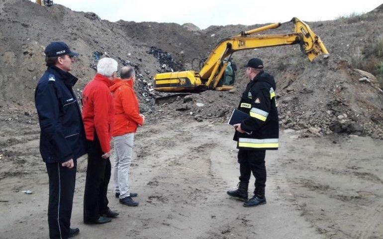 Są zarzuty za nielegalne składowanie śmieci w kopalni w Lewkówce