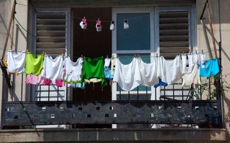 Prezydent nie chce majtek na balkonach