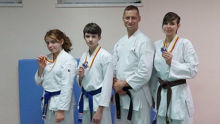 Młodzi piotrkowscy karatecy z medalami