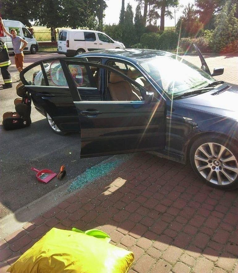 W Brzozie dziecko zatrzasnęło się w samochodzie