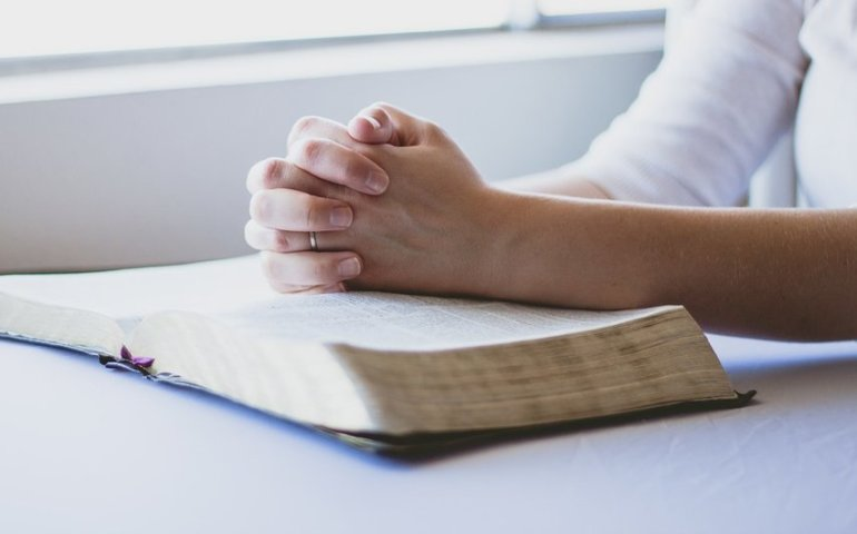 Coraz mniej uczniów uczestniczy w katechezie