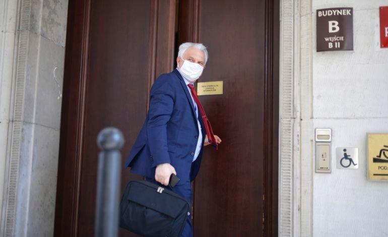 """Prof. Piotr Kuna o Światowym Dniu Rzucania Palenia Tytoniu: """"Tylko u 20 proc. leczonych z nałogu palaczy terapia jest skut"""