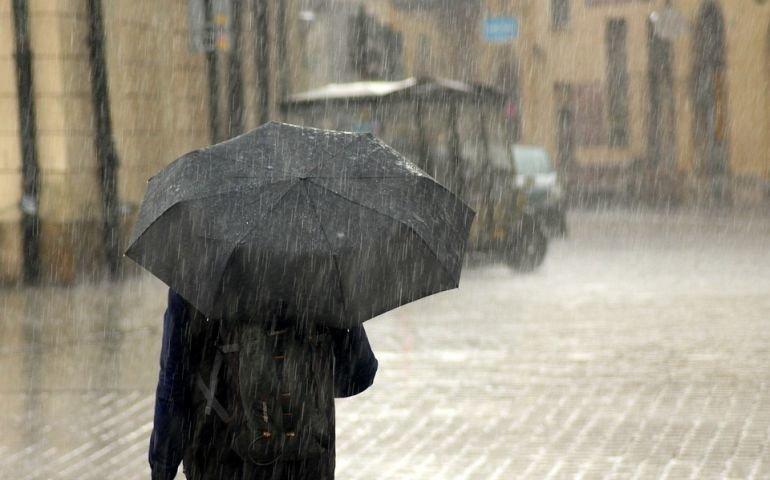 Ból częściej odczuwamy w wilgotne i wietrzne dni