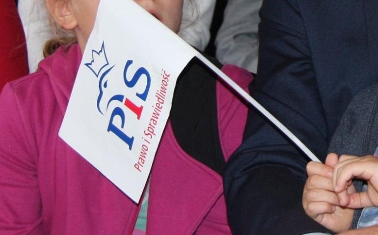PiS zdominuje wybory w okręgu piotrkowskim?