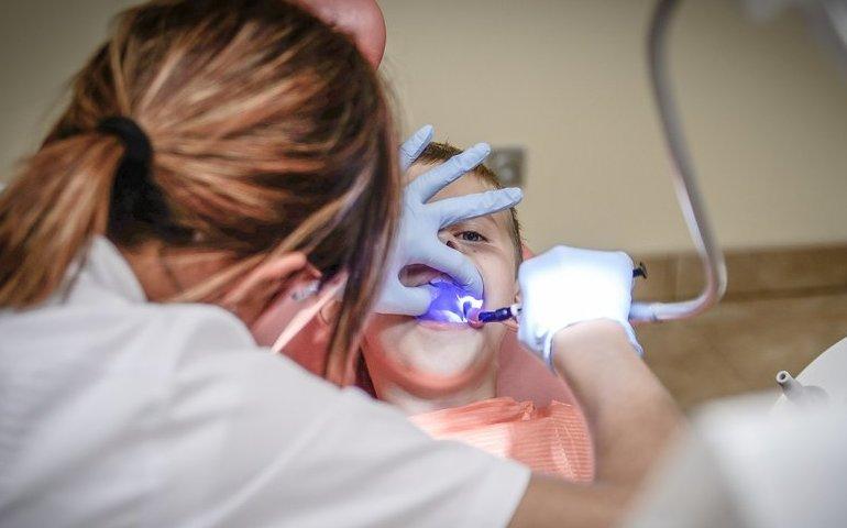 Zęby mleczne - co powinniśmy wiedzieć?