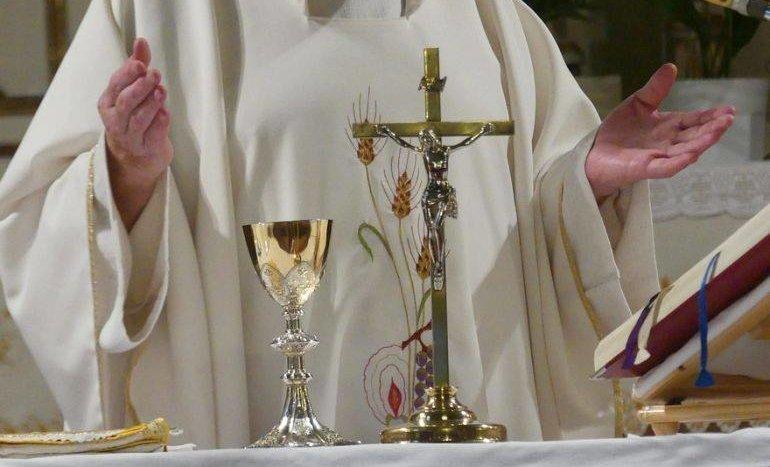 Poinstruowali księży, jak mają się zachowywać wobec dzieci