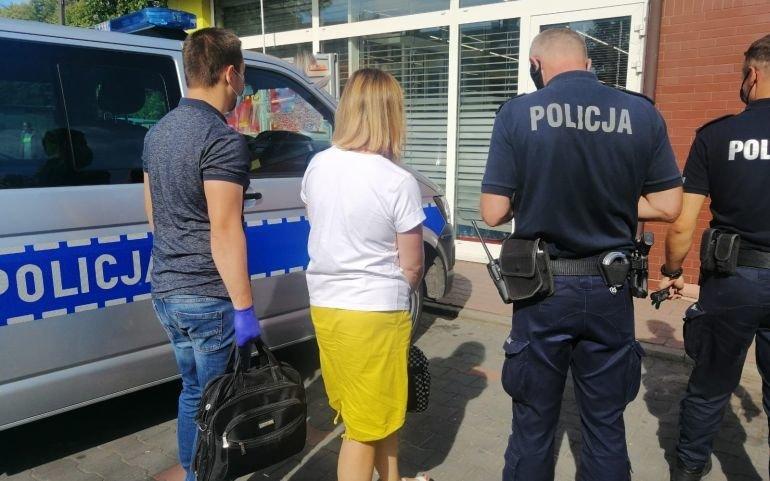Piotrków: Policja i sanepid sprawdzali, czy klienci i pracownicy sklepów noszą maseczki